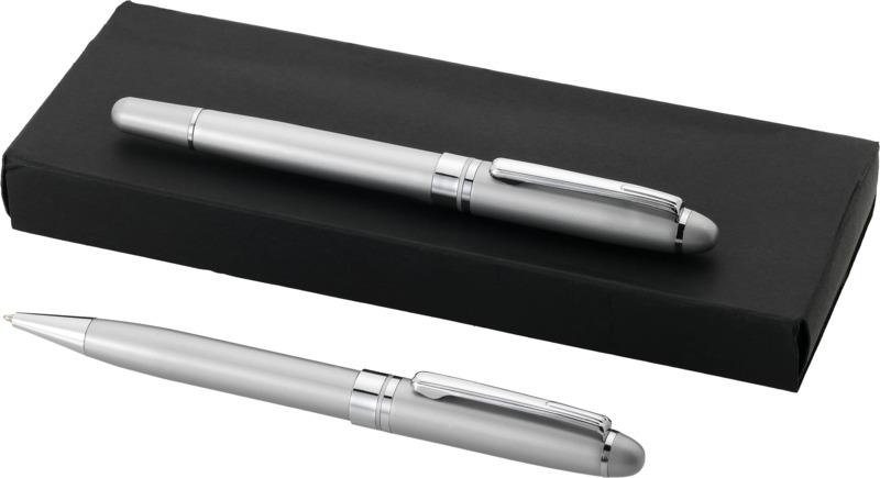 Juego bolígrafos . Regalos promocionales y reclamos publicitarios