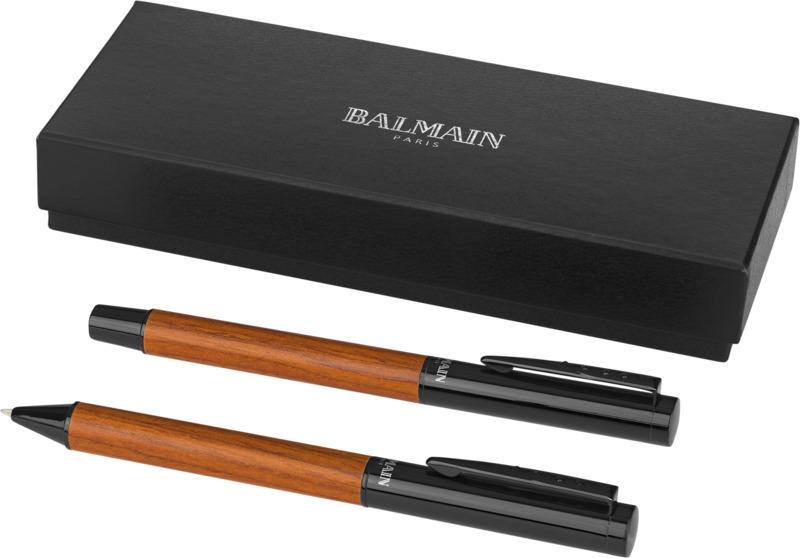 Set bolígrafos . Regalos promocionales y reclamos publicitarios